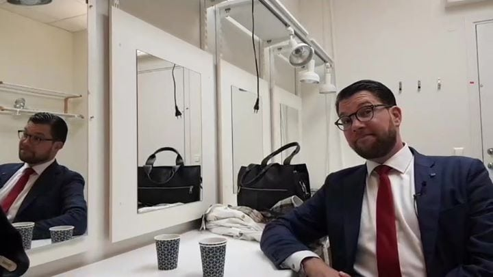 Sverigedemokraterna shared Jimmie Åkesson's live video